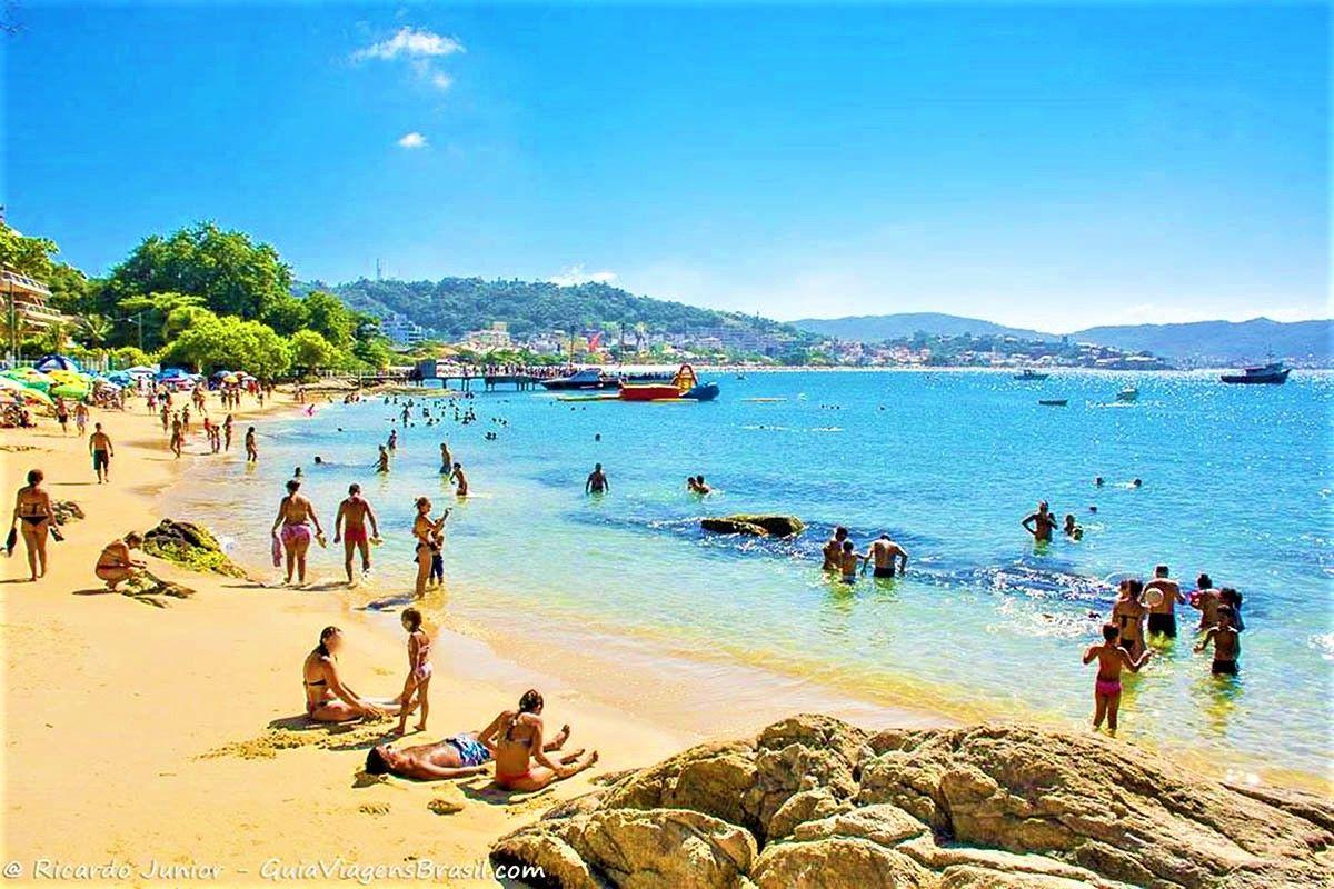 Praia em Bombinhas  Lagoinha