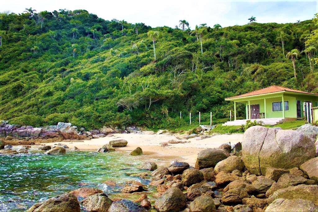 Praia em Bombinhas  Caeté